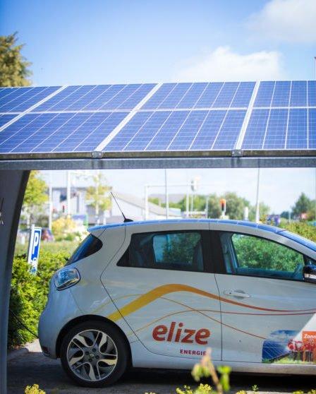 zonnecarport_metelektrischvoertuig